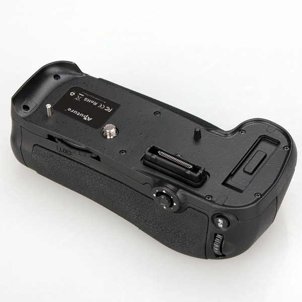 APUTURE® BP-MD12 battery grip for Nikon D800 / D800E which can hold one EN-EL15 rechargeable battery or 8 AA batteries ( not included )